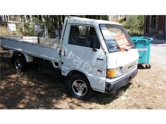 1992 MODEL MAZDA E 2200