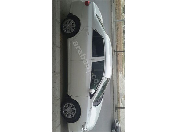 Sahibinden içerisinde sigara dahi içilmemiş  tertemiz beyaz Toyota Corolla