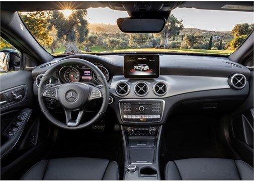 Mercedes-Benz GLA 180 d AMG 7G-DCT
