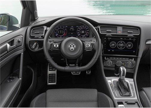 Volkswagen Golf R 2.0 TSI BMT 4Motion  DSG