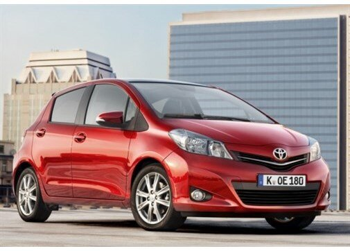 Toyota Yaris 1.33 Style Red CVT